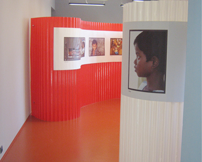 Photographic instalation of the project Bang-Baby